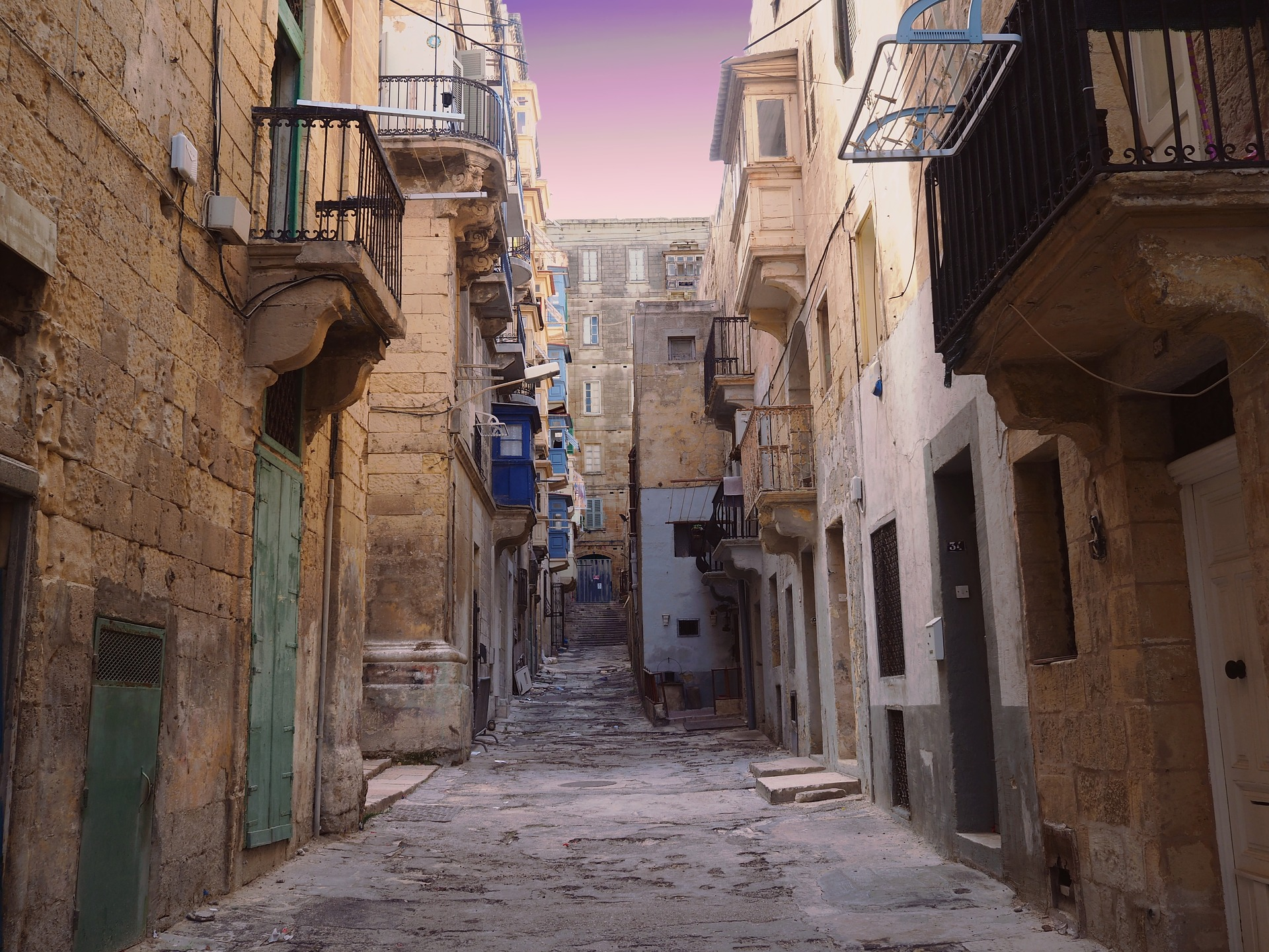 Valletta Alleyway
